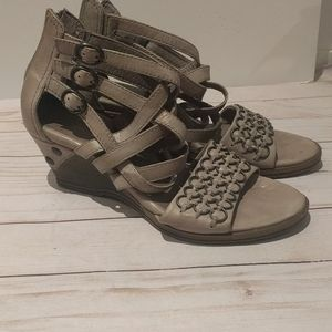 👠👠 Genuine leather sandals by Busola🍀🍀🌸
